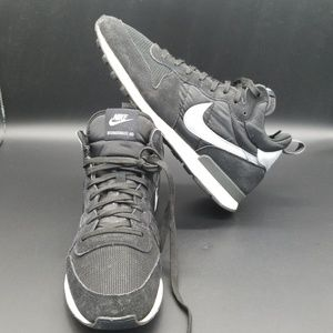 61b2f4cf790 Men s Nike Internationalist Mid on Poshmark